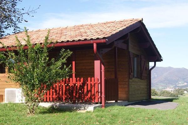camping à la ferme Etchemendigaraya-suhescu-chalet bois