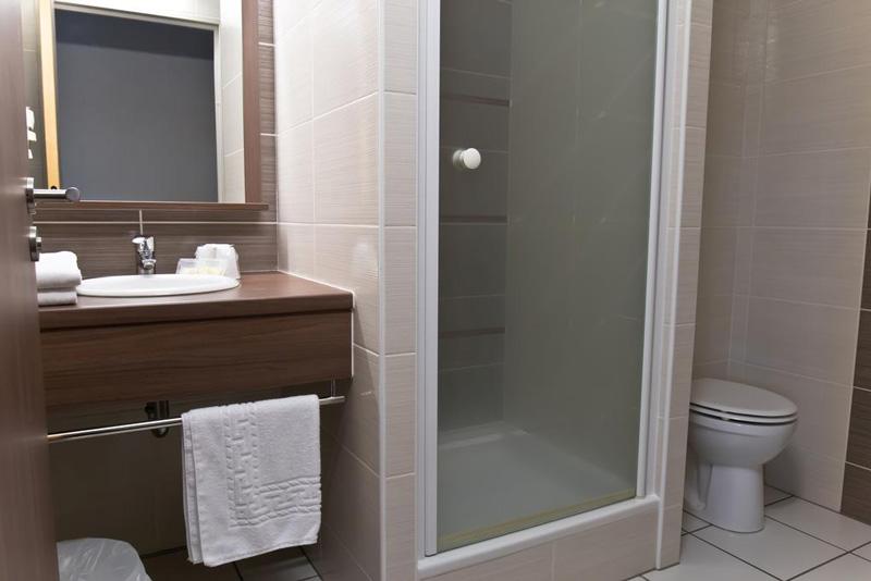Arena Hotel St Jean de Luz-salle de bain